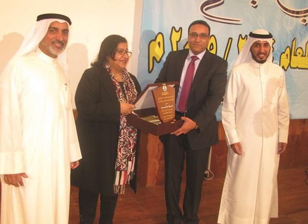 Photo of أمير شعراء الوطن العربي «علاء جانب» لـ «أسرتي»: