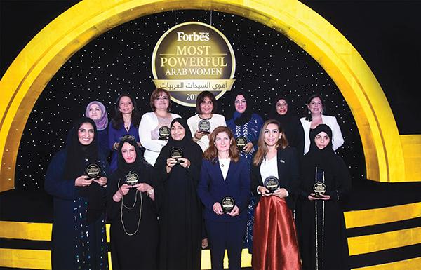 Photo of المرأة العربية عام 2015..بين الصعود إلى القمة والهبوط إلى الهاوية