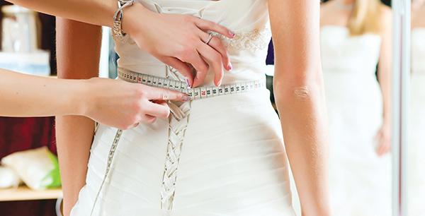 Photo of كيـف تختــار السـمـيـنــات فساتين زفافهن؟