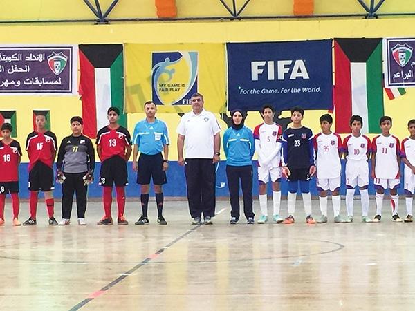 Photo of أول كويتية تحكّم نهائي مباراة كرة قدم الصالات