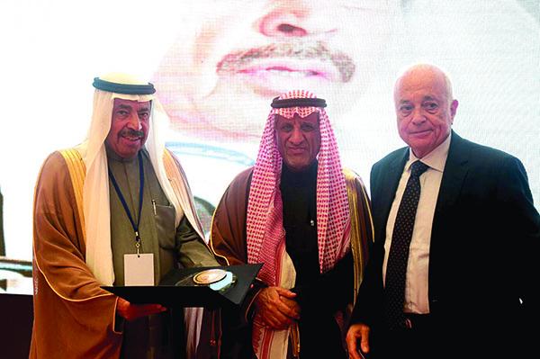 Photo of اختيار عبد العزيـز سعـود البـابطيـن سفيرٌ للنوايا الحسنة