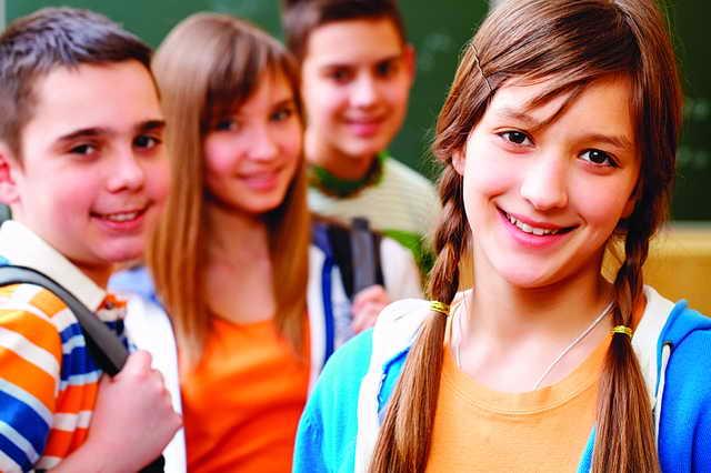 Photo of كيف يساعد الآباء أبناءهم على اختيار الأصدقاء؟