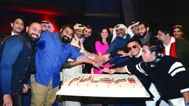 Photo of «سرب الحمام» يحتفل بفوزه في مهرجان دلهي الدولي