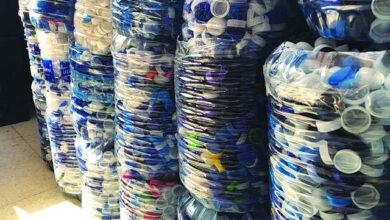 Photo of طالبات كويتيات يجمعن مليون غطاء بلاستيكي