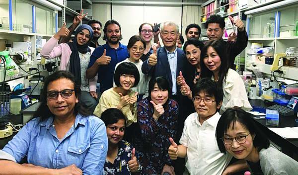لأول مرة.. طبيبة عمانية ضمن فريق البروفيسور الياباني الفائز بـ «نوبل»