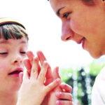 خجل الأهل من أبنائهم ذوي الاحتياجات الخاصة مسؤولية تتقاسمها الأسرة والمجتمع