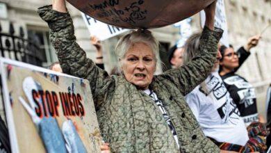 Photo of جنونها جعلها أعظم مصممي بريطانيا Vivienne Westwood