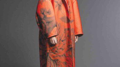 Photo of أطلق مجموعته الأخيرة لخريف/ شتاء هذا العام Jason Wu .. تصميمات الورود الأنيقة والثنيات الراقية